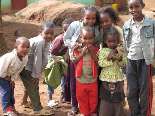 aiutare bambini africani