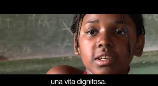storie di adozione a distanza: Maria