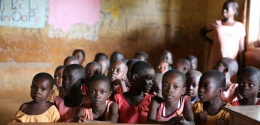 la giornata di un bambino africano