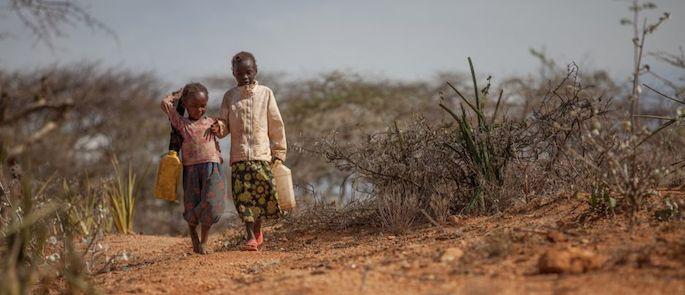 Risultati immagini per siccità bambini kenya
