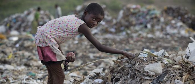 bambini poveri nel mondo
