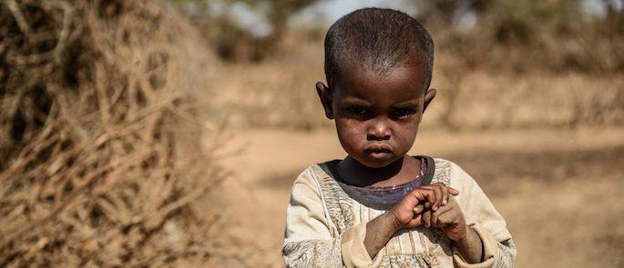 bambini che muoiono di fame